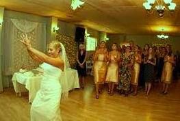 Bouquet Toss Wedding Songs Article Image